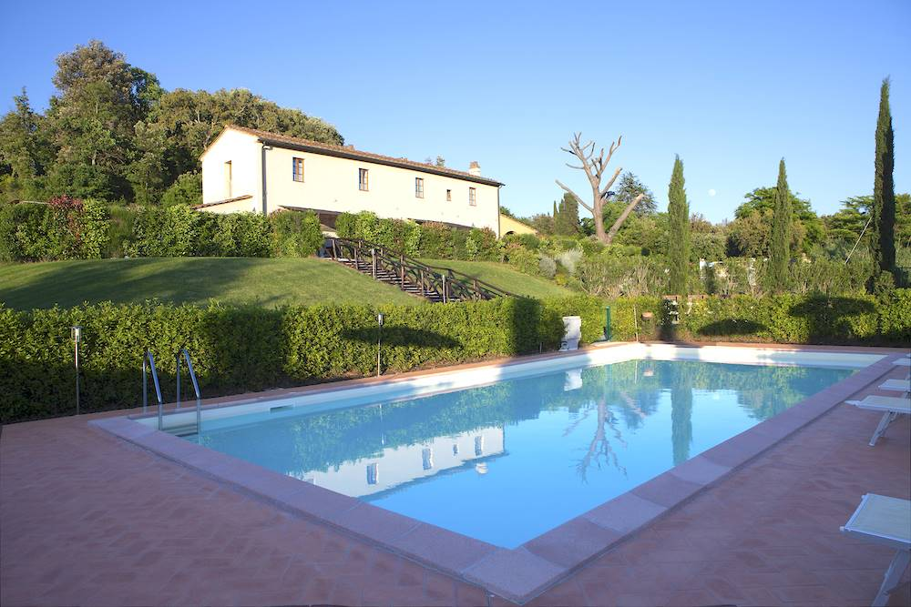 Riparbella, Tuscany, five flats country house with pool