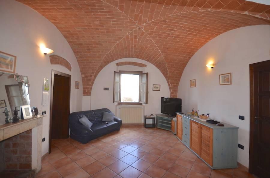 Rosignano Marittimo, Tuscany, renovated ground floor apt