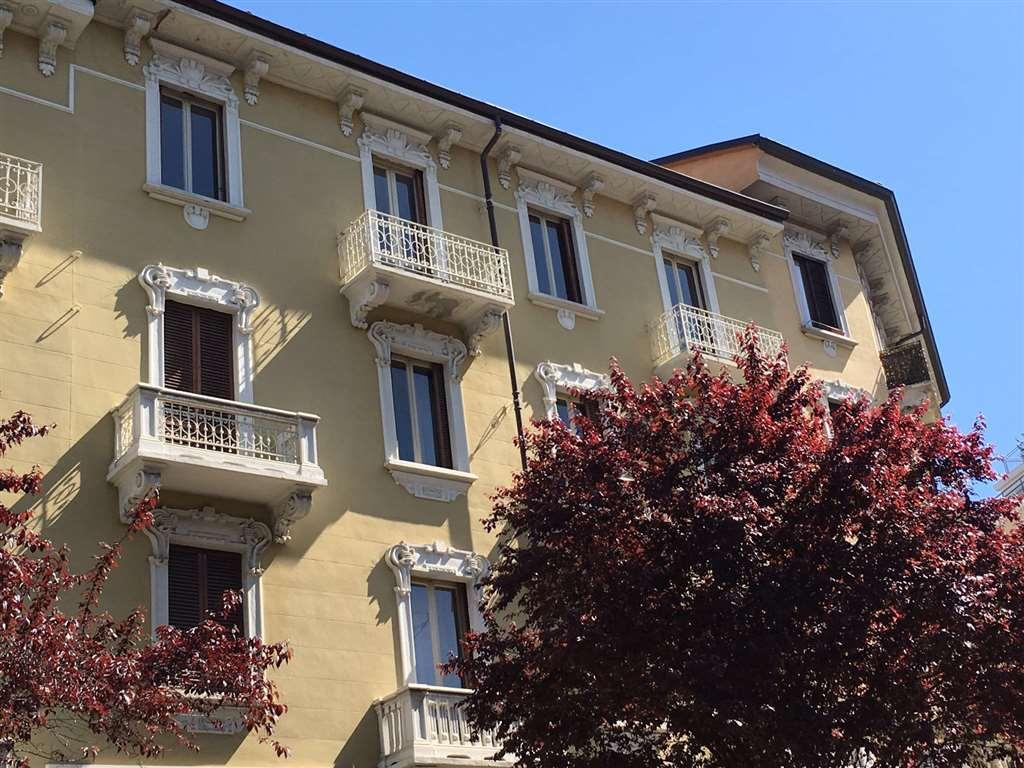 Appartamento in vendita a Torino, 5 locali, zona Località: BORGO PO, prezzo € 590.000 | Cambio Casa.it