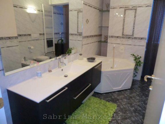 bagno con vasca idro - Rif. 0154