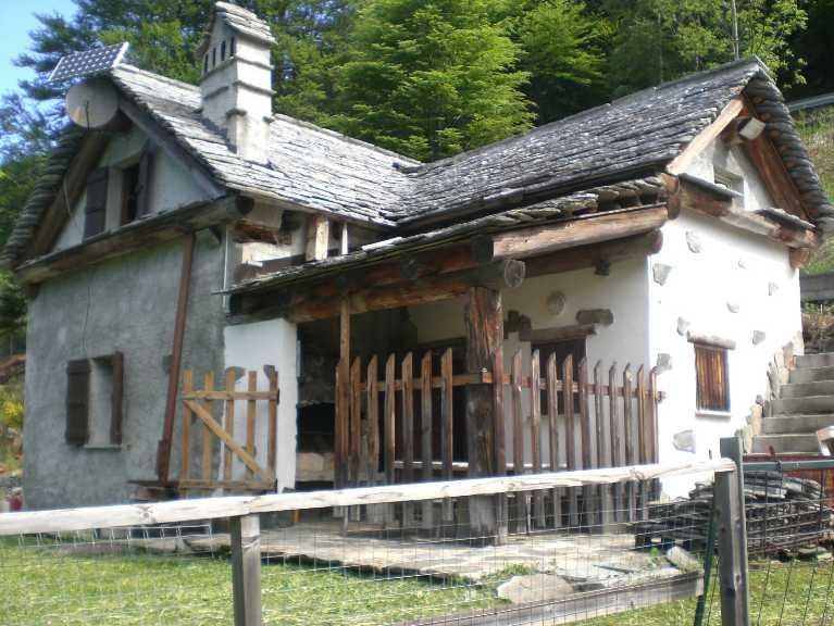 Casa malesco cerca case a malesco for Luddui case vendita
