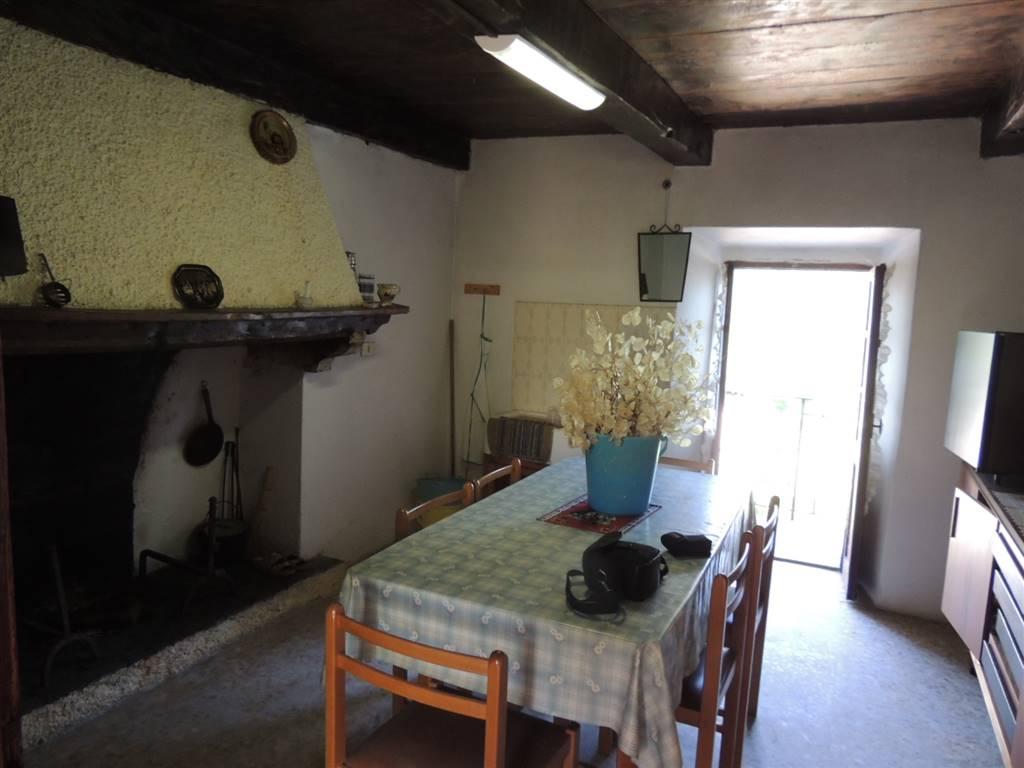 Soluzione Semindipendente in vendita a Re, 4 locali, zona Zona: Olgia, prezzo € 55.000 | Cambio Casa.it