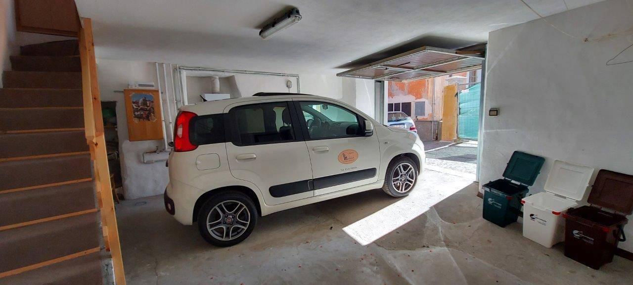 L'interno del garage