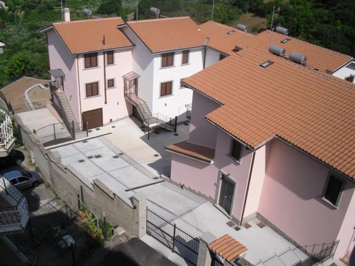 Villa a schiera, Soriano Nel Cimino, in nuova costruzione