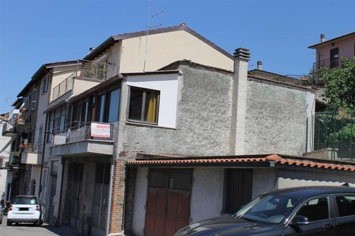 Appartamento indipendente in Poggio San Nicola, Vetralla
