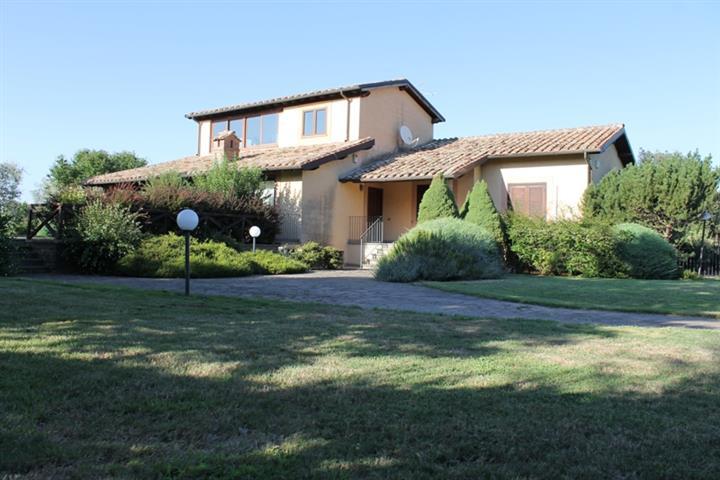 Villa, Soriano Nel Cimino, in ottime condizioni