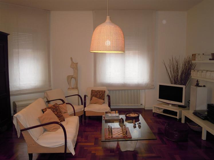 Attico / Mansarda in vendita a Piacenza, 3 locali, zona Zona: Viale Dante, prezzo € 160.000 | Cambio Casa.it