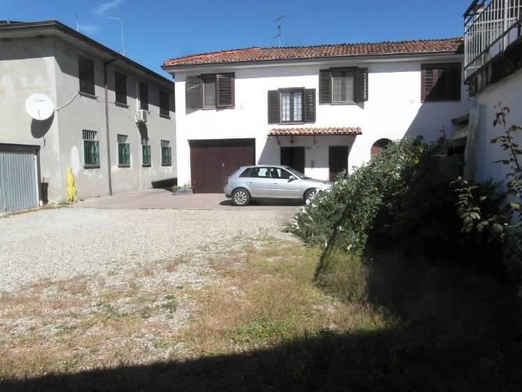 Soluzione Indipendente in vendita a Piacenza, 4 locali, zona Località: RONCAGLIA, prezzo € 270.000 | Cambio Casa.it