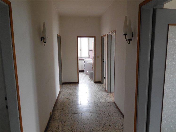 Appartamento in vendita a Piacenza, 4 locali, zona Zona: Zona stadio, prezzo € 145.000   Cambio Casa.it