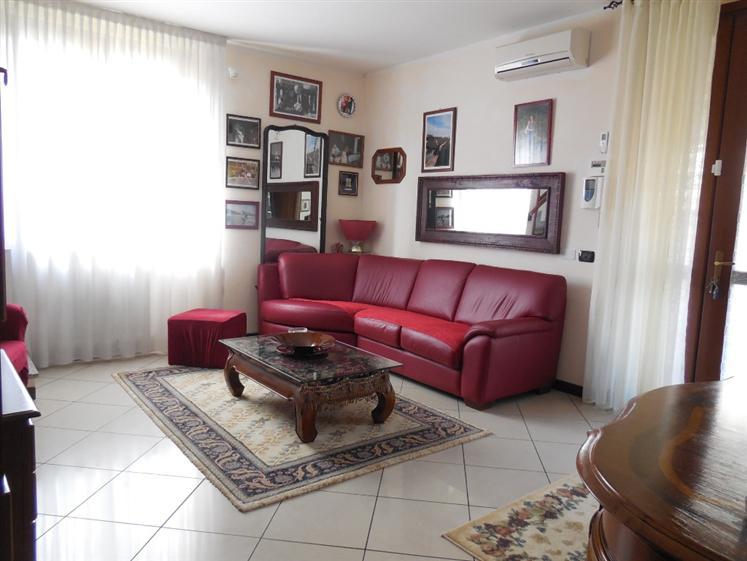 Appartamento in vendita a San Giorgio Piacentino, 3 locali, prezzo € 200.000 | Cambio Casa.it