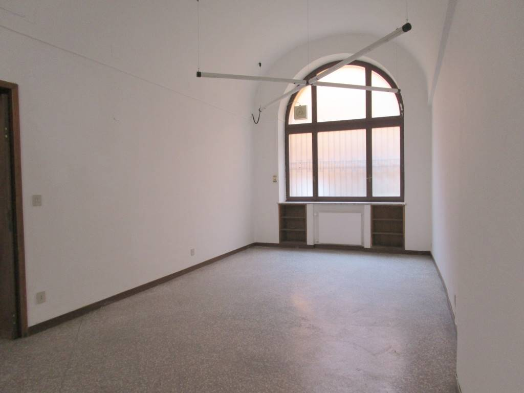 Ufficio / Studio in affitto a Piacenza, 4 locali, zona Zona: Centro storico, prezzo € 650 | CambioCasa.it