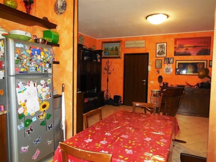 Appartamento in vendita a Pontenure, 3 locali, prezzo € 165.000 | Cambio Casa.it