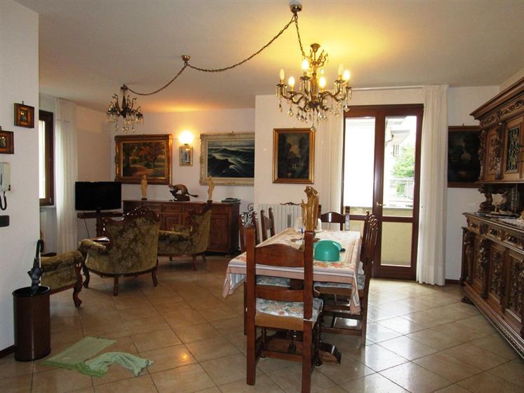 Appartamento in vendita a Podenzano, 3 locali, prezzo € 248.000 | CambioCasa.it