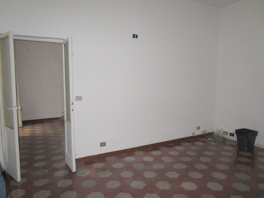 Ufficio / Studio in affitto a Piacenza, 3 locali, zona Zona: Centro storico, prezzo € 500 | CambioCasa.it
