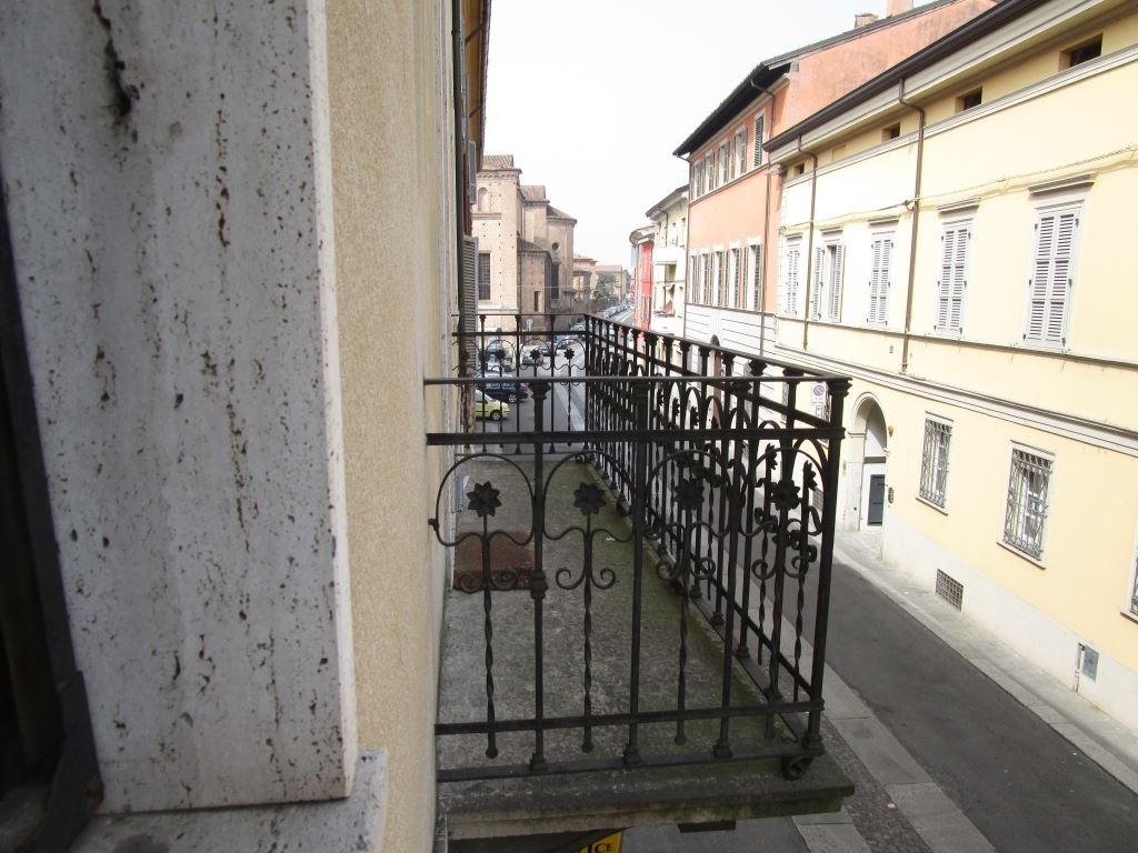 Palazzo / Stabile in vendita a Piacenza, 4 locali, zona Zona: Centro storico, prezzo € 250.000 | Cambio Casa.it