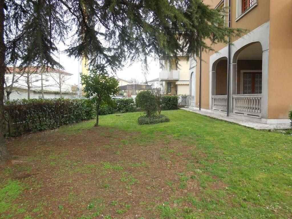 Villa in Vendita a Gossolengo