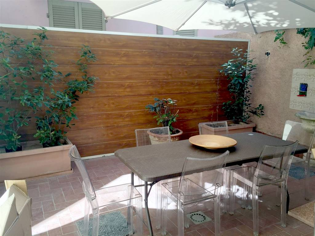 Soluzione Indipendente in vendita a Piacenza, 6 locali, zona Zona: Centro storico, prezzo € 320.000 | Cambio Casa.it