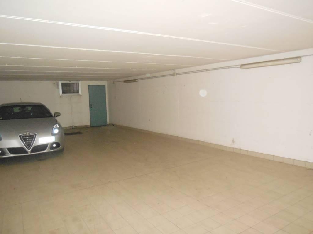 garage-Box-posto auto  in Affitto a Piacenza