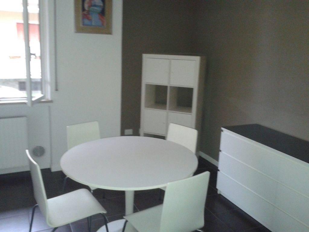 Appartamento in vendita a Piacenza, 3 locali, zona Zona: S. Lazzaro, prezzo € 100.000 | CambioCasa.it