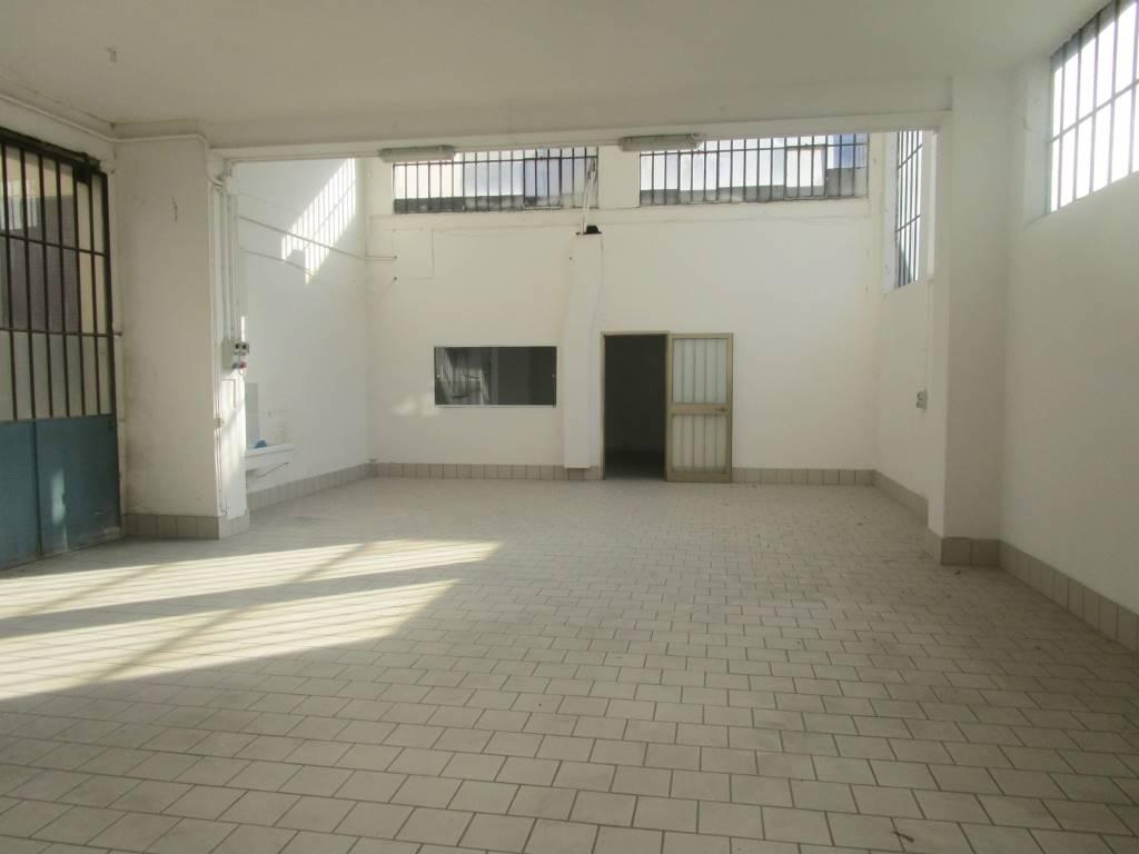 Laboratorio in affitto a Piacenza, 9999 locali, zona Zona: B.ra Torino, prezzo € 834   Cambio Casa.it