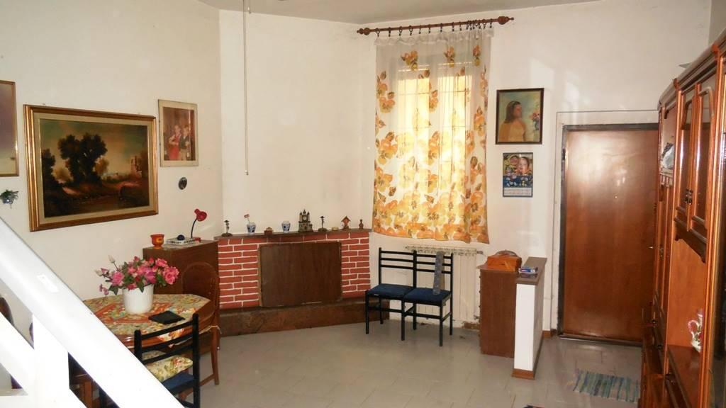 Soluzione Indipendente in vendita a Piacenza, 3 locali, zona Zona: Centro storico, prezzo € 160.000 | CambioCasa.it