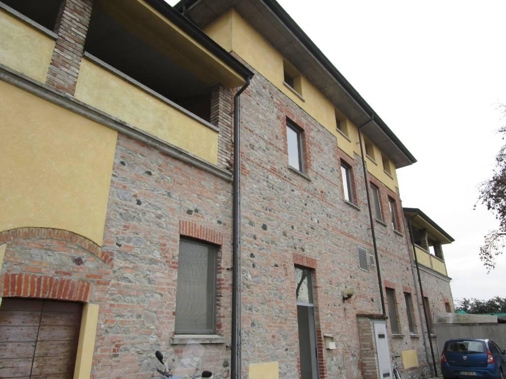 Appartamento in affitto a Gragnano Trebbiense, 3 locali, zona Zona: Gragnanino, prezzo € 480 | CambioCasa.it