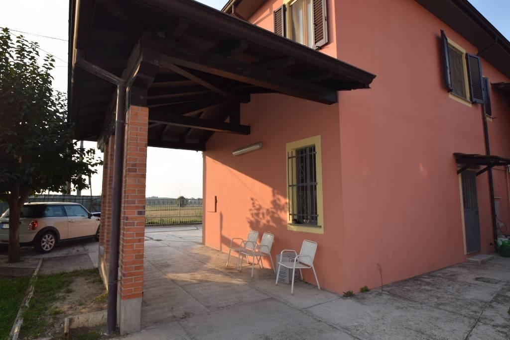 Soluzione Indipendente in vendita a Piacenza, 4 locali, zona Località: GERBIDO, prezzo € 170.000 | CambioCasa.it