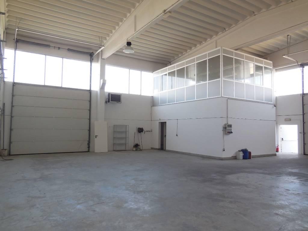 Affitto capannone industriale a podenzano gariga pc for Recedere contratto affitto prima dei sei mesi