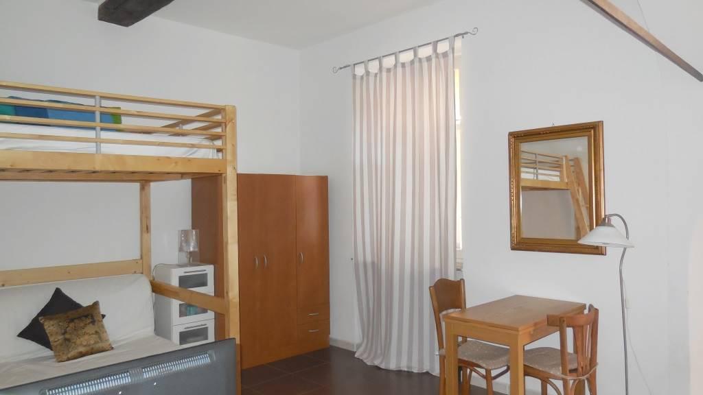 Affitto appartamento a piacenza centro storico for Affitto piacenza arredato