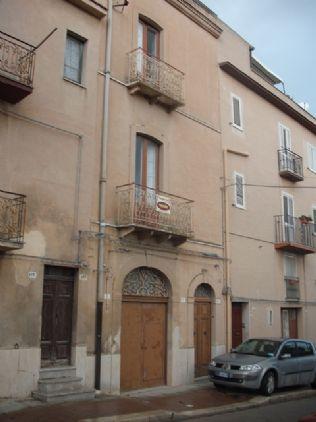 Soluzione Indipendente in vendita a Vita, 13 locali, prezzo € 100.000 | Cambio Casa.it