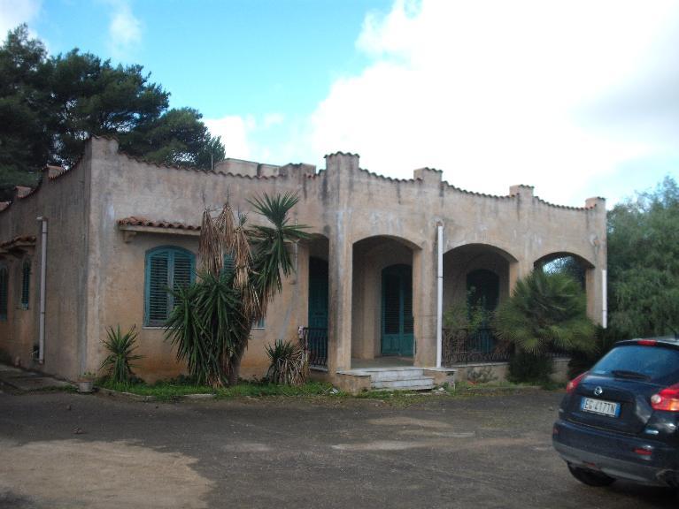 Villa in vendita a Salemi, 6 locali, zona Località: SINAGIA, prezzo € 125.000 | CambioCasa.it