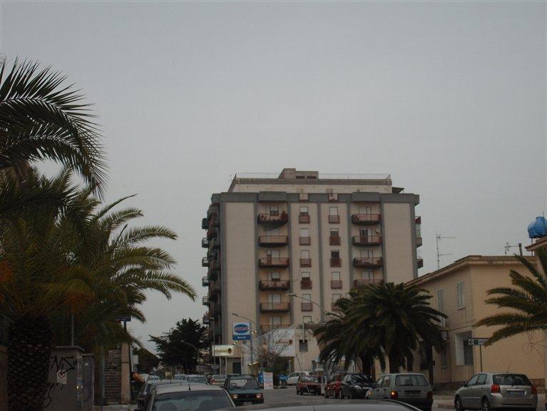 Appartamento in vendita a Castelvetrano, 8 locali, prezzo € 125.000 | Cambio Casa.it