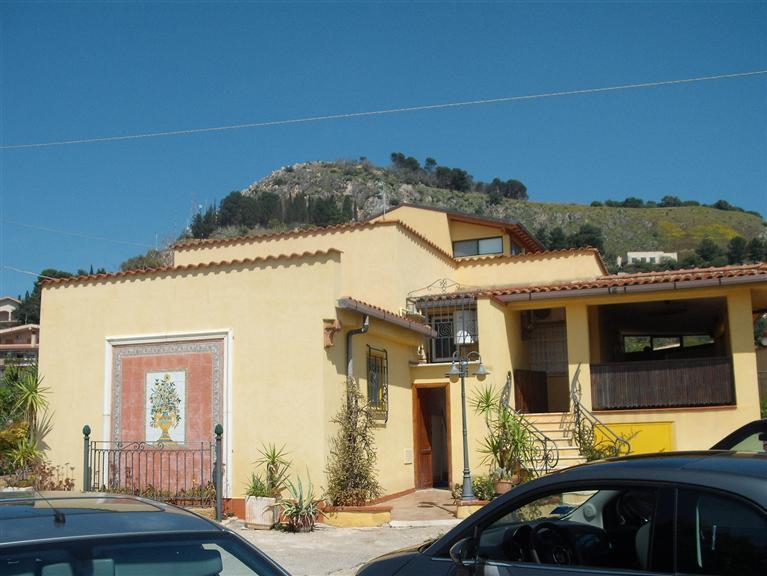 Villa in vendita a Santa Flavia, 6 locali, zona Località: SOLUNTO, Trattative riservate | Cambio Casa.it