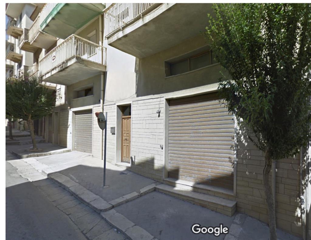 Appartamento in vendita a Salemi, 8 locali, zona Località: VIA A. LO PRESTI, prezzo € 110.000 | Cambio Casa.it