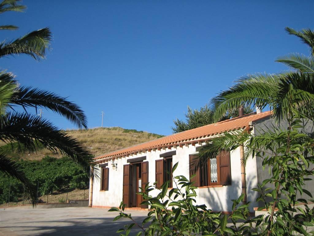 Rustico / Casale in vendita a Salemi, 4 locali, prezzo € 140.000 | CambioCasa.it
