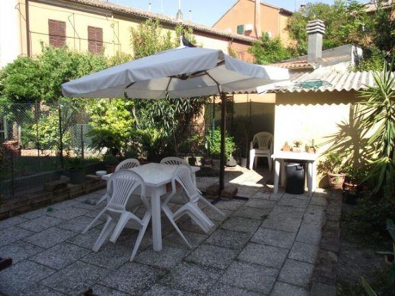 Soluzione Semindipendente in Affitto a Pesaro