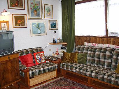 soggiorno con divano - Rif. V0267