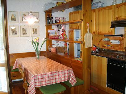angolo cottura e sala pranzo 2 - Rif. V0267