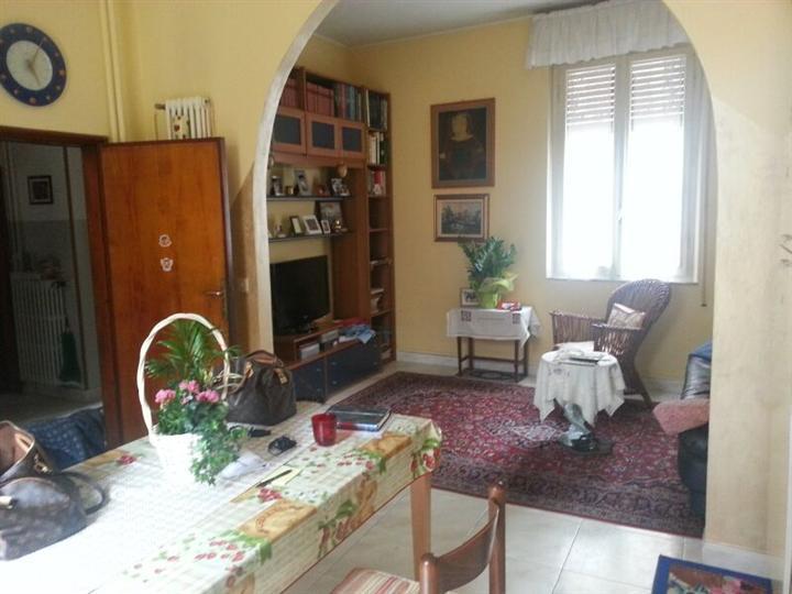 Soluzione Indipendente in vendita a Pesaro, 9 locali, zona Località: CENTRO STORICO, prezzo € 380.000 | Cambio Casa.it