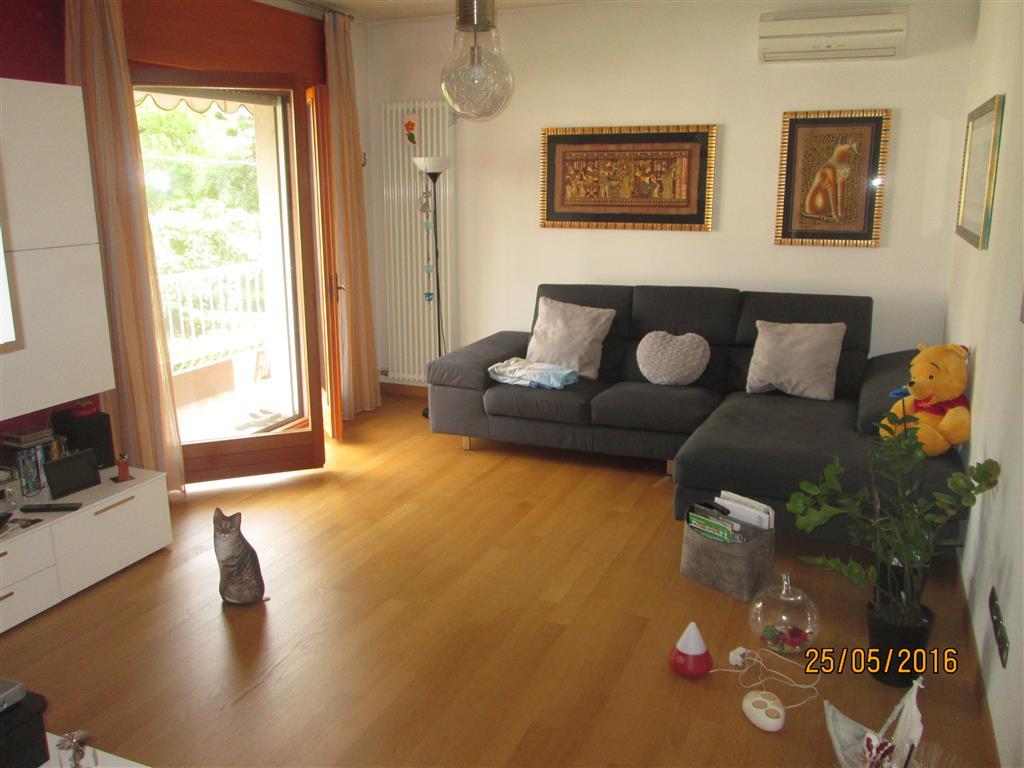 Appartamento in vendita a Preganziol, 5 locali, zona Località: PREGANZIOL, prezzo € 160.000 | Cambio Casa.it