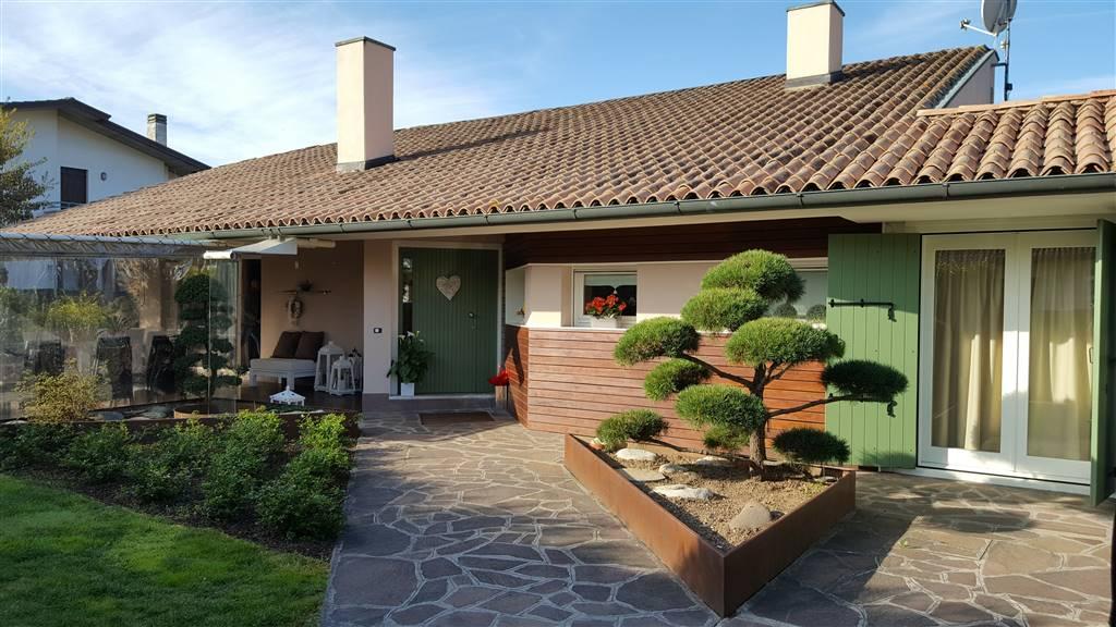 Villa in vendita a Morgano, 8 locali, zona Zona: Badoere, prezzo € 485.000 | CambioCasa.it