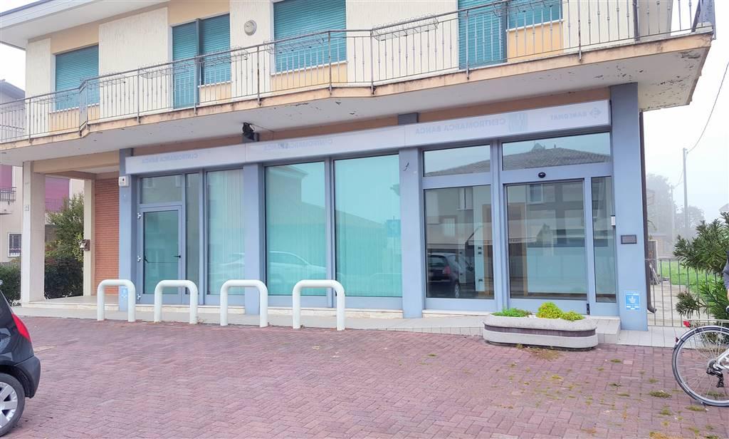 Immobile Commerciale in affitto a Zero Branco, 4 locali, zona Località: SANTALBERTO, Trattative riservate | CambioCasa.it