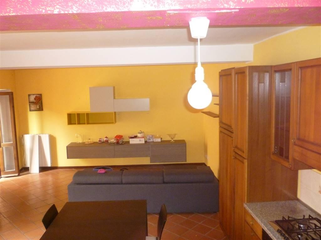 Appartamento in affitto a Terni, 3 locali, zona Località: VIA DEL LEONE, prezzo € 400 | CambioCasa.it