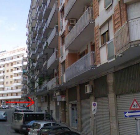 Box / Garage in vendita a Taranto, 1 locali, zona Zona: Italia/Montegranaro, Trattative riservate   CambioCasa.it