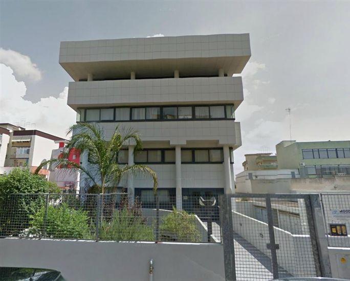 Ufficio / Studio in affitto a Taranto, 9999 locali, prezzo € 1.300   CambioCasa.it