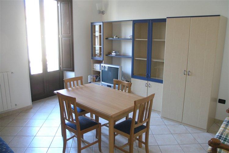 Appartamento in affitto taranto a 500 for Affitto taranto arredato