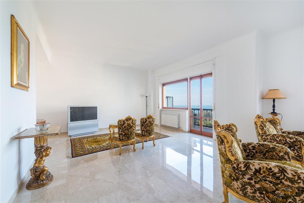 Altro in affitto a Taranto, 3 locali, zona Zona: Borgo, prezzo € 420 | CambioCasa.it