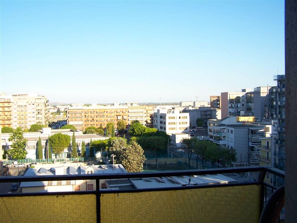 Appartamento in affitto a Taranto, 6 locali, zona Località: ITALIA, prezzo € 650 | Cambio Casa.it