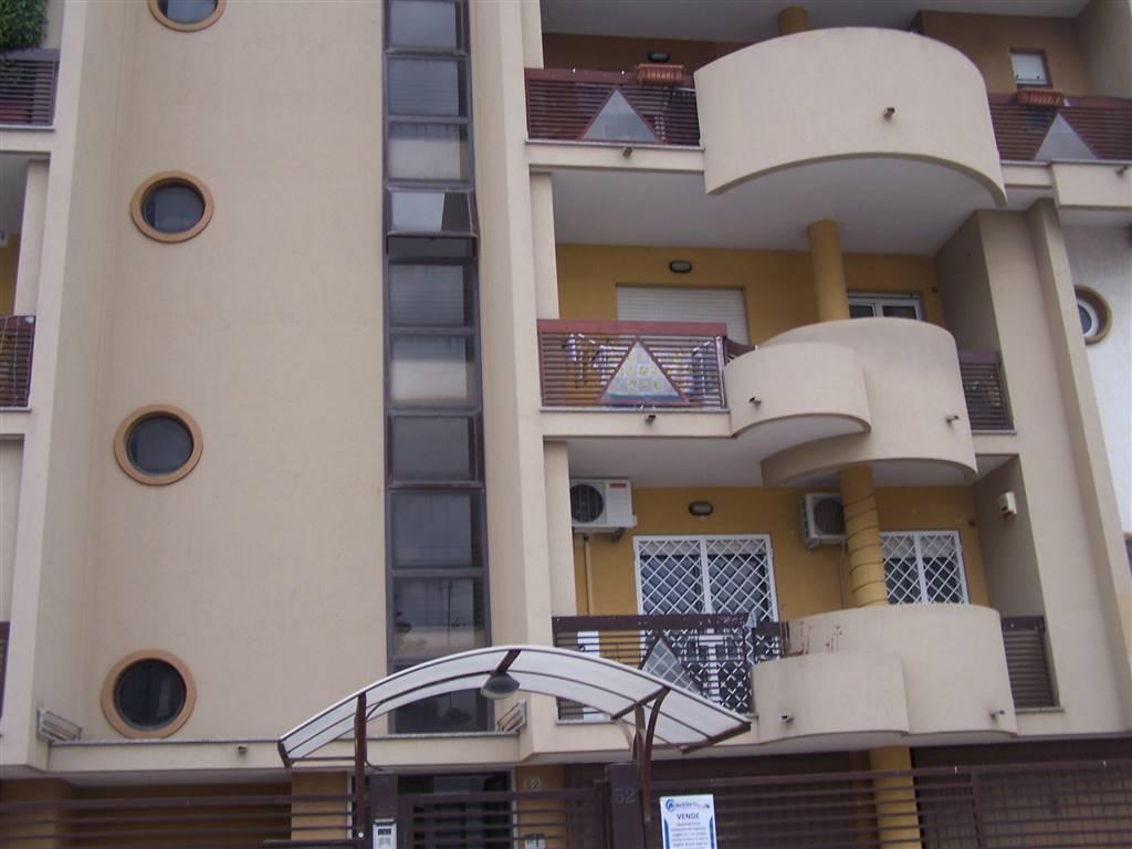 Appartamento in affitto a Taranto, 3 locali, prezzo € 650 | Cambio Casa.it