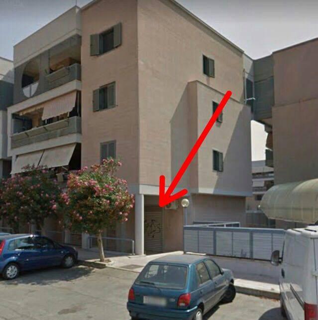 Negozio / Locale in affitto a Taranto, 9999 locali, prezzo € 700 | CambioCasa.it